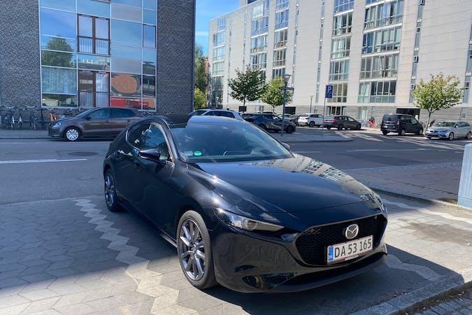 Billig billeje af Mazda 3 med GPS nær 2300 København.