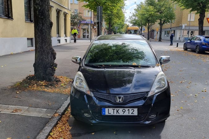 Billig biluthyrning av Honda Jazz med Isofix i närheten av  .
