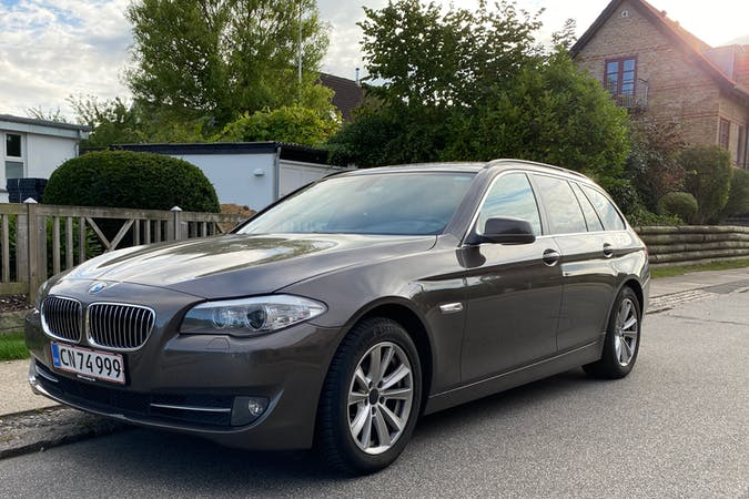 Billig billeje af BMW 5 Series med GPS nær 2800 Kongens Lyngby.