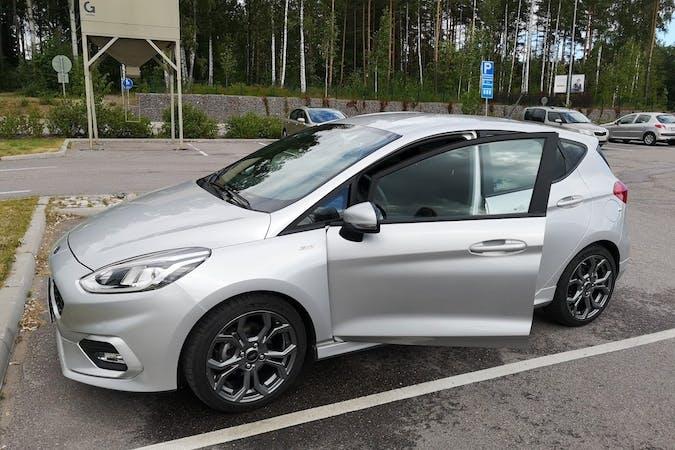 Ford Fiestan halpa vuokraus Isofix-kiinnikkeetn kanssa lähellä 02280 Espoo.