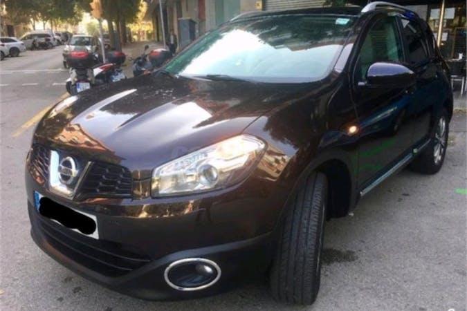 Alquiler barato de Nissan Qashqai con equipamiento GPS cerca de 08005 Barcelona.