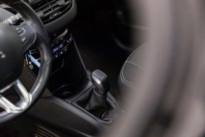 Billig billeje af Peugeot 208 nær 2960 Rungsted Kyst.