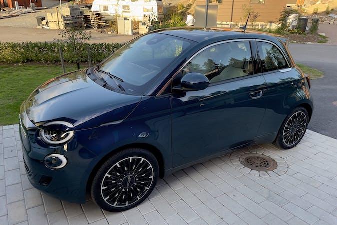 Fiat 500En halpa vuokraus GPSn kanssa lähellä 06750 Porvoo.