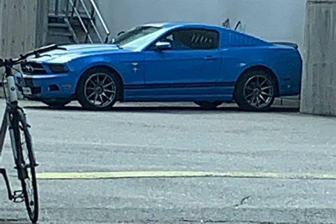 Ford Mustangn halpa vuokraus Bluetoothn kanssa lähellä 00920 Helsinki.
