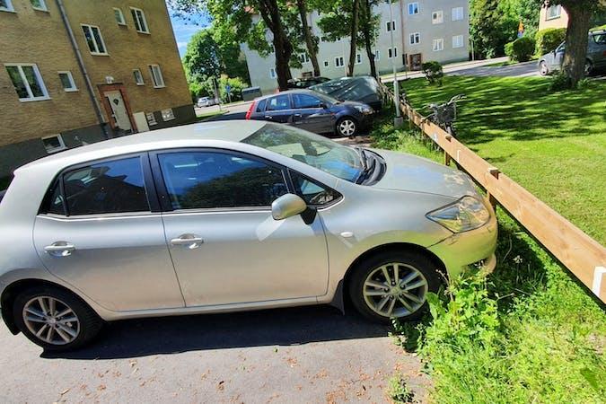 Billig biluthyrning av Toyota Auris i närheten av 120 59 Enskede-Årsta-Vantör.