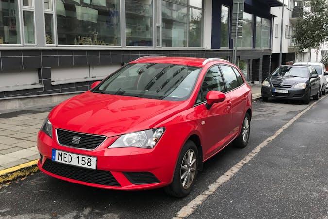 Billig biluthyrning av Seat Ibiza med Bluetooth i närheten av 126 35 Hägersten-Liljeholmen.