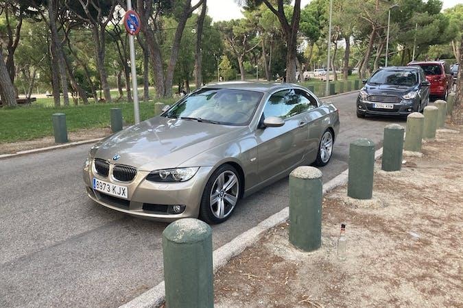 Alquiler barato de BMW 320i Cabriolet cerca de 28039 Madrid.