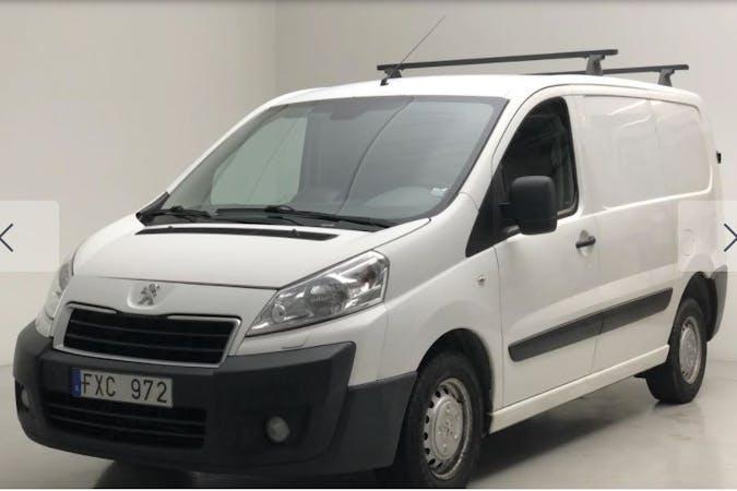 Billig biluthyrning av Peugeot Expert med Dragkrok i närheten av 195 56 Märsta Södra.