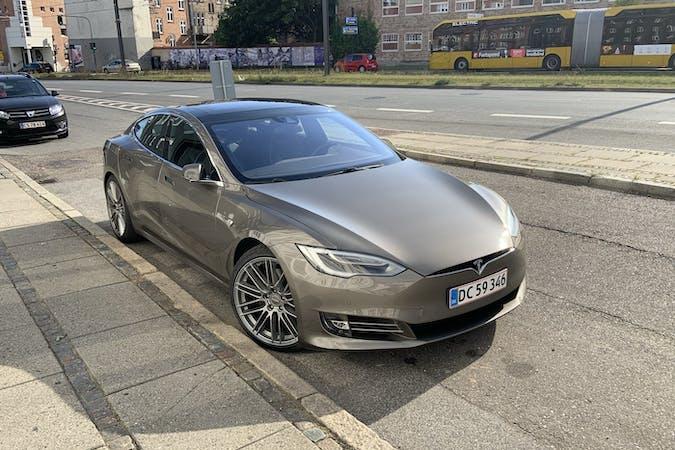 Billig billeje af Tesla Model S nær 8000 Aarhus.