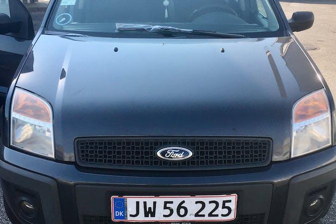 Billig billeje af Ford Fusion nær 2400 København.