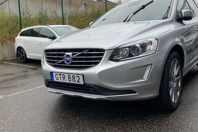 Billig biluthyrning av Volvo XC60 i närheten av 136 46 .