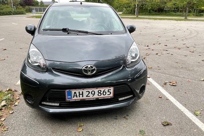 Billig billeje af Toyota AYGO nær 2670 Greve.