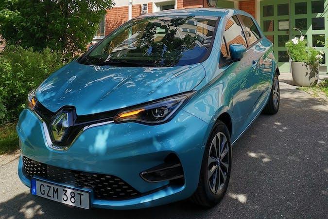 Billig biluthyrning av Renault Zoe med GPS i närheten av  Rissne.