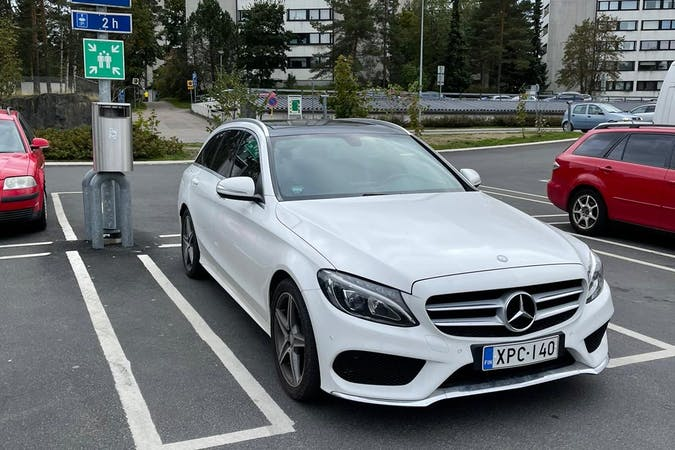 Mercedes C-Classn halpa vuokraus GPSn kanssa lähellä 00500 Helsinki.