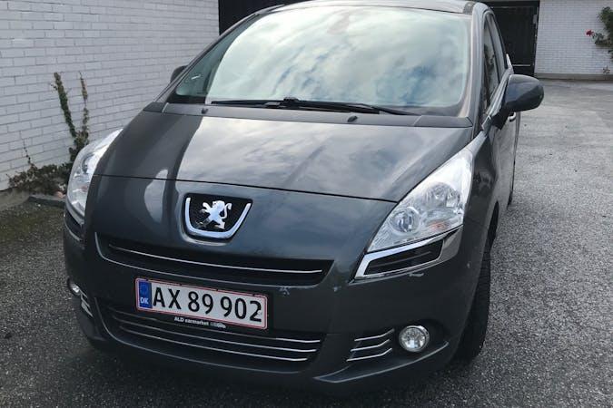 Billig billeje af Peugeot 5008 nær 3070 Snekkersten.