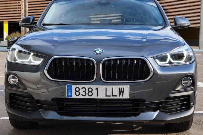 Alquiler barato de BMW X2 con equipamiento GPS cerca de 08840 Viladecans.