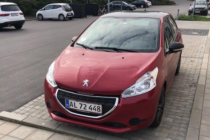 Billig billeje af Peugeot 208 med Anhængertræk nær 6000 Kolding.