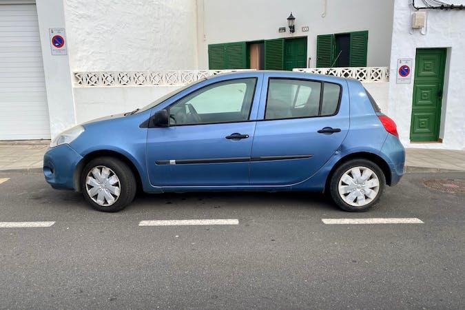 Alquiler barato de Renault Clio con equipamiento Fijaciones Isofix cerca de 35509 Arrecife.