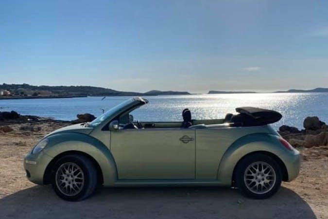 Alquiler barato de Volkswagen Beetle cerca de 07829 Sant Josep de sa Talaia.