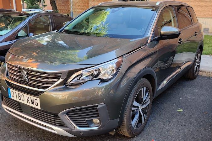 Alquiler barato de Peugeot 5008 cerca de 28026 Madrid.