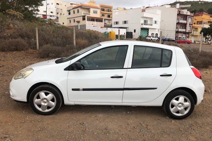 Alquiler barato de Renault Clio cerca de 38660 Playa de la Américas.