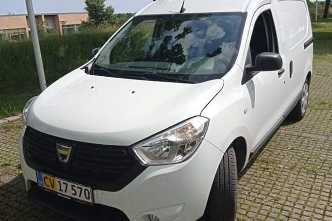 Billig billeje af Dacia Dokker med GPS nær 2860 Søborg.