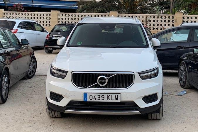 Alquiler barato de Volvo XC40 con equipamiento GPS cerca de 28005 Madrid.