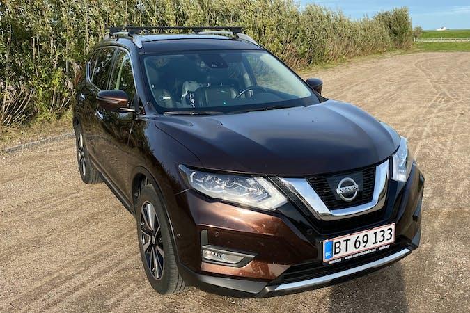 Billig billeje af Nissan X-Trail med GPS nær 2300 København.