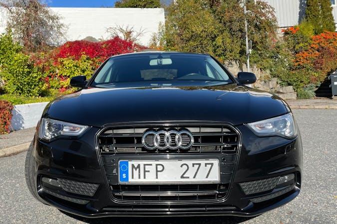 Billig biluthyrning av Audi A5 Sportback i närheten av 421 42 Frölunda.
