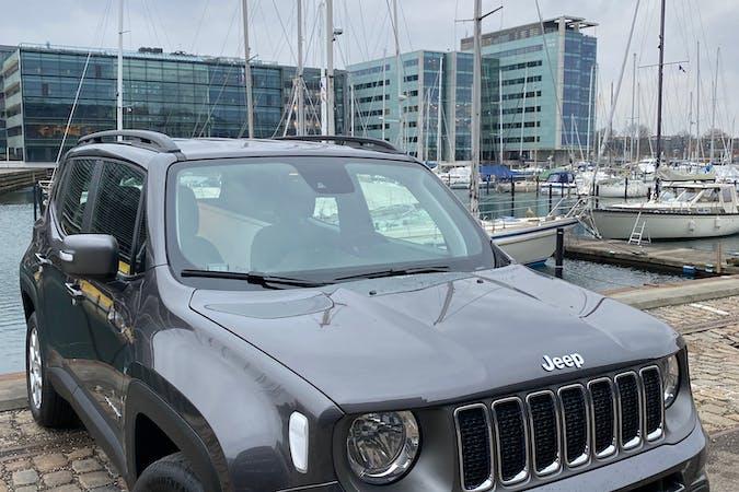 Billig billeje af Jeep Renegade nær  København.