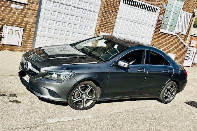 Alquiler barato de Mercedes CLA con equipamiento GPS cerca de 28912 Leganés.