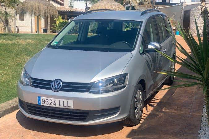 Alquiler barato de Volkswagen Sharan con equipamiento Fijaciones Isofix cerca de 41840 Pilas.