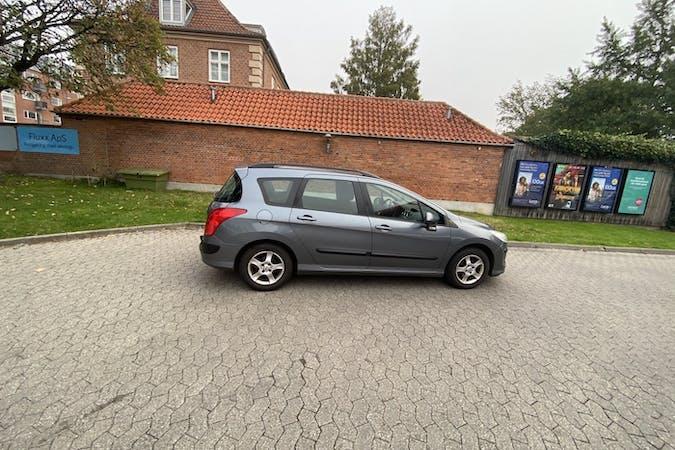 Billig billeje af Peugeot 308 SW nær 2400 København.