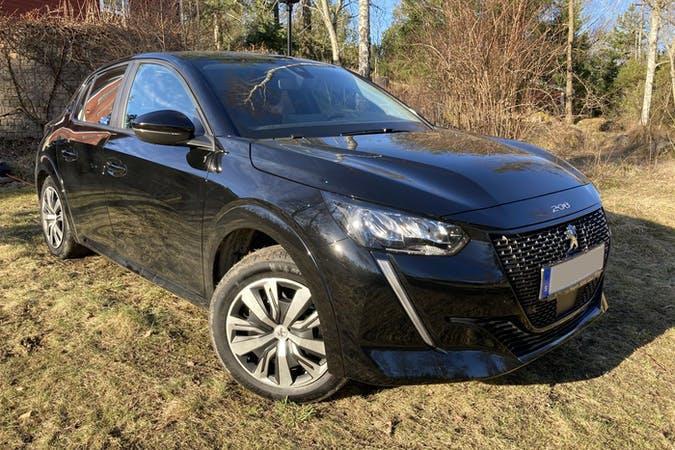 Billig biluthyrning av Peugeot e-208 med GPS i närheten av 172 73 Storskogen.