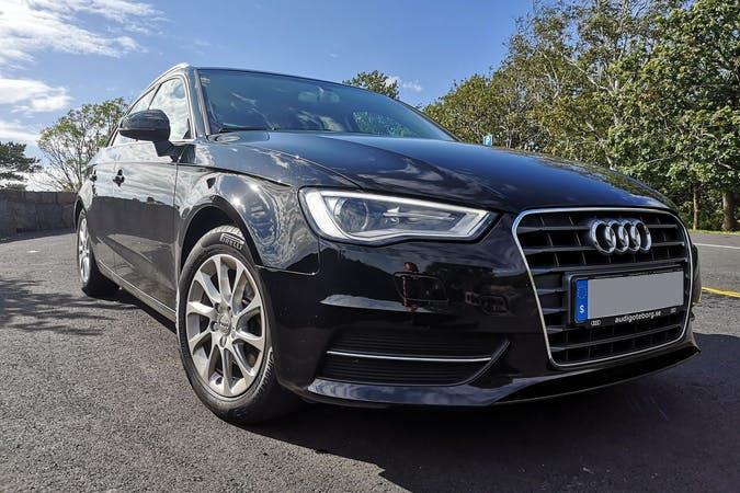 Billig biluthyrning av Audi A3 i närheten av 413 11 .