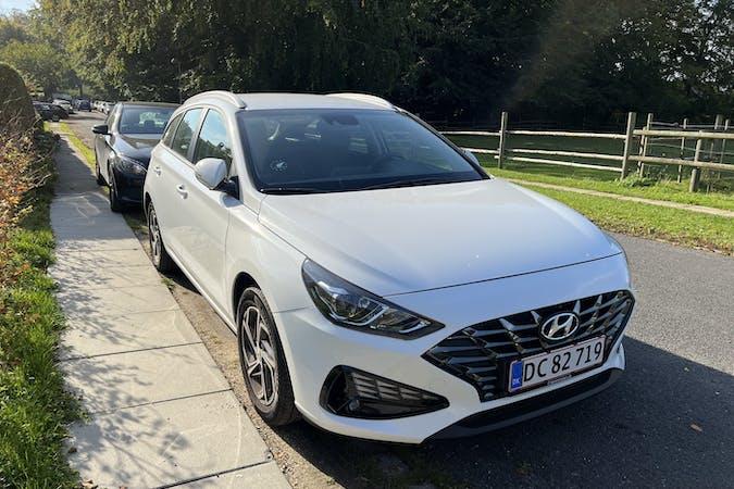 Billig billeje af Hyundai i30 nær 2100 København.