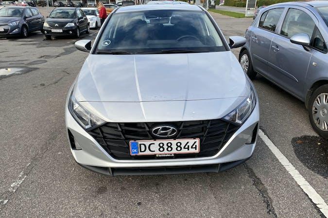 Billig billeje af Hyundai i20 med GPS nær 8000 Aarhus.