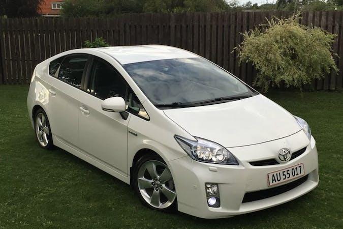 Billig billeje af Toyota Prius med GPS nær 3660 Stenløse.