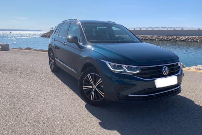 Alquiler barato de Volkswagen Tiguan con equipamiento GPS cerca de 07007 Palma.