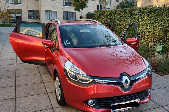Billig billeje af Renault Clio SW nær 2300 København.