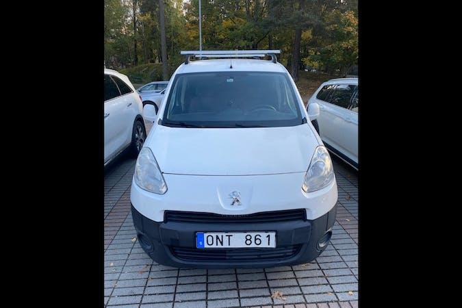 Billig biluthyrning av Peugeot Partner i närheten av 169 36 Råsunda.
