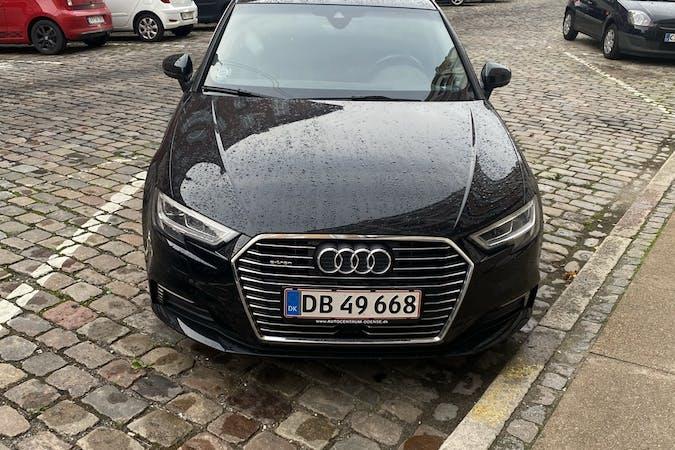 Billig billeje af Audi A3 Sportback med GPS nær  København.