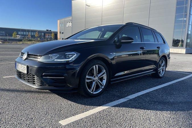 Billig biluthyrning av Volkswagen Golf med Isofix i närheten av 123 57 Farsta distrikt.