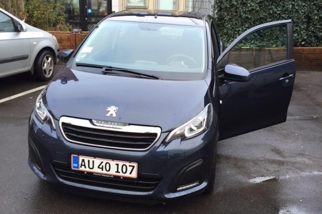 Billig billeje af Peugeot 108 med Isofix beslag nær 2100 København.