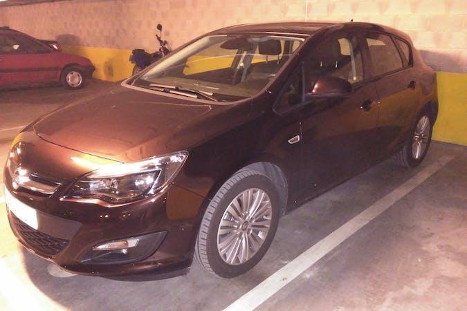 Alquiler barato de Opel Astra 1.6 Cdti 110 Business S/S con equipamiento GPS cerca de 09002 Burgos.