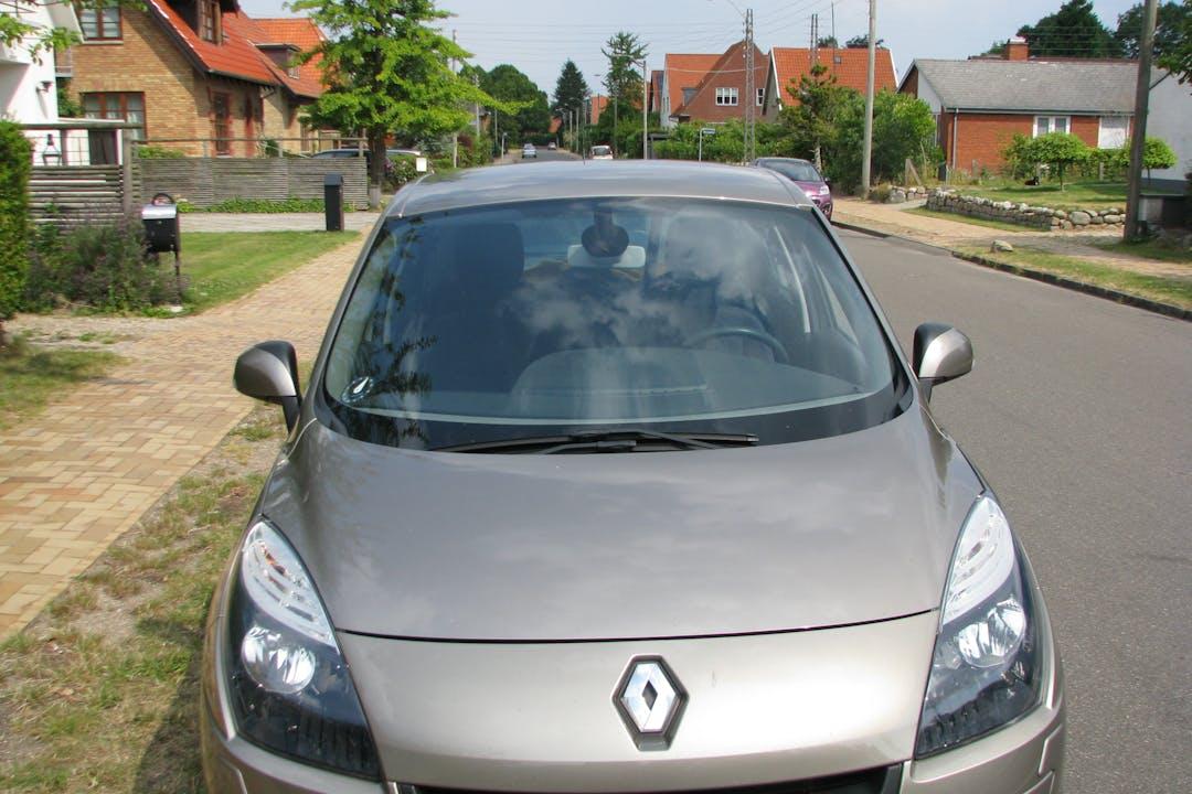Billig billeje af Renault Scenic 1.9 DCI med GPS nær 8240 Risskov.