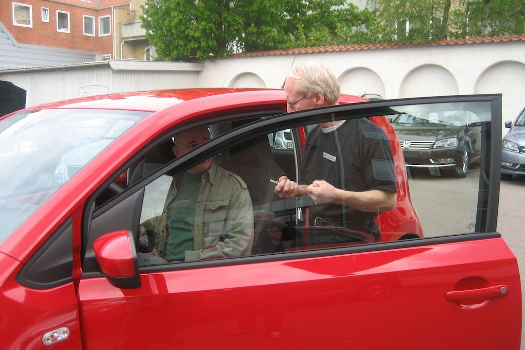 Billig billeje af VW nær 2900 Hellerup.
