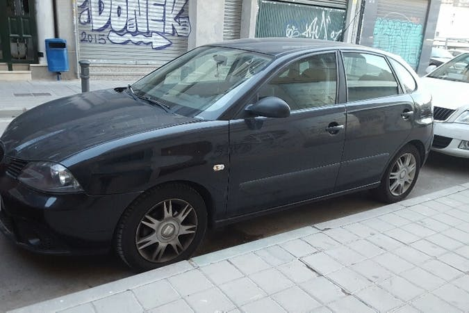 Alquiler barato de Seat Ibiza Hit 1.4tdi 70 con equipamiento Bluetooth cerca de 03006 Alicante.