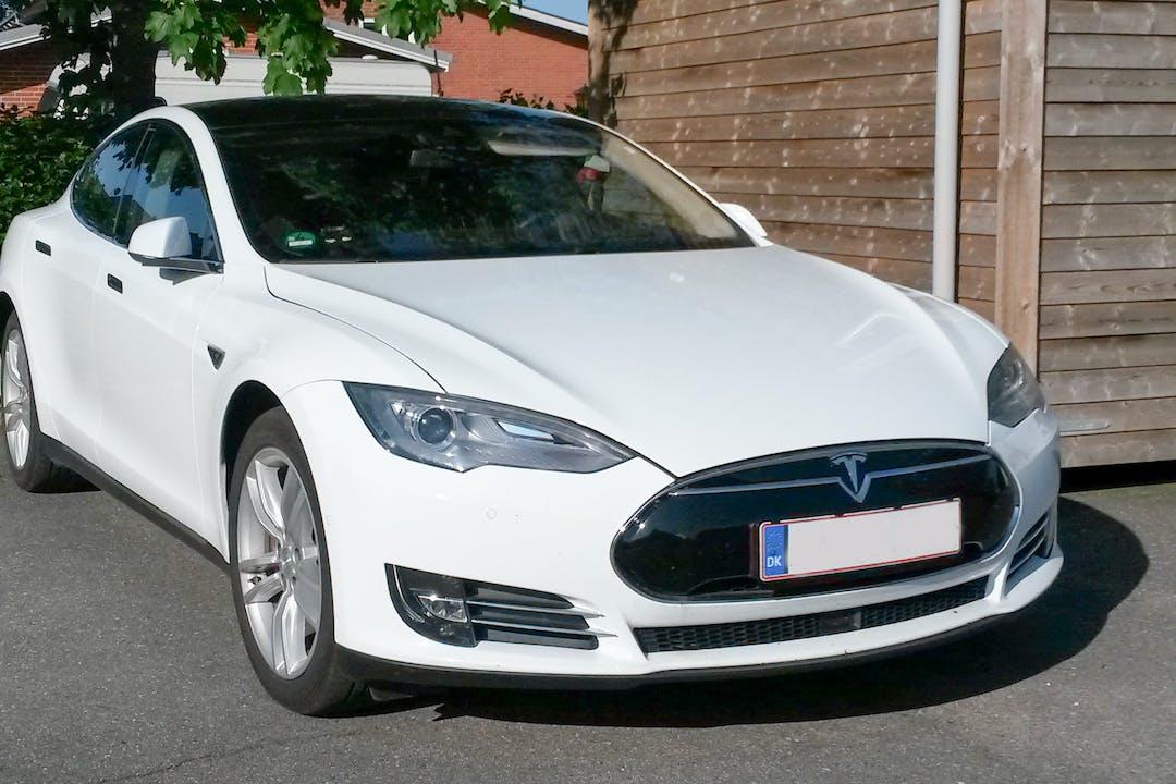 Billig billeje af Tesla Model S P85 med GPS nær 7000 Fredericia.