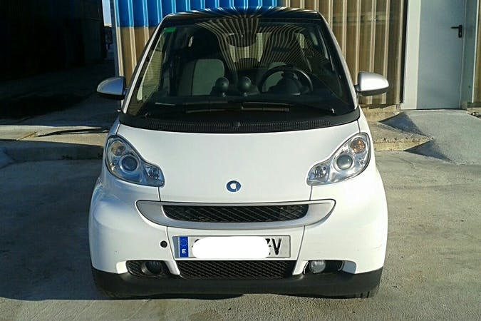 Alquiler barato de Smart Fortwo Coupe Passion 62 cerca de 08028 Barcelona.